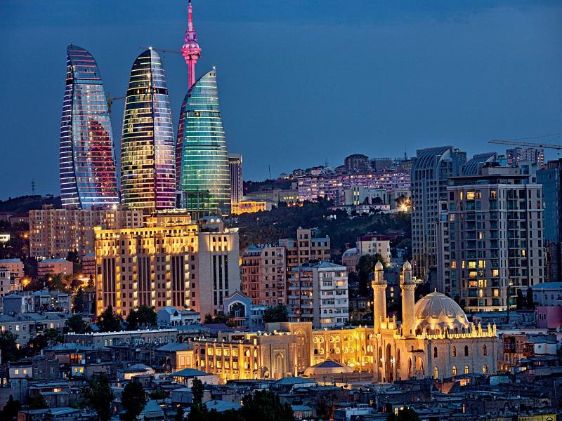 بازدید از جاذبههای فرهنگی باکو برای عاشقان هنر و فرهنگ
