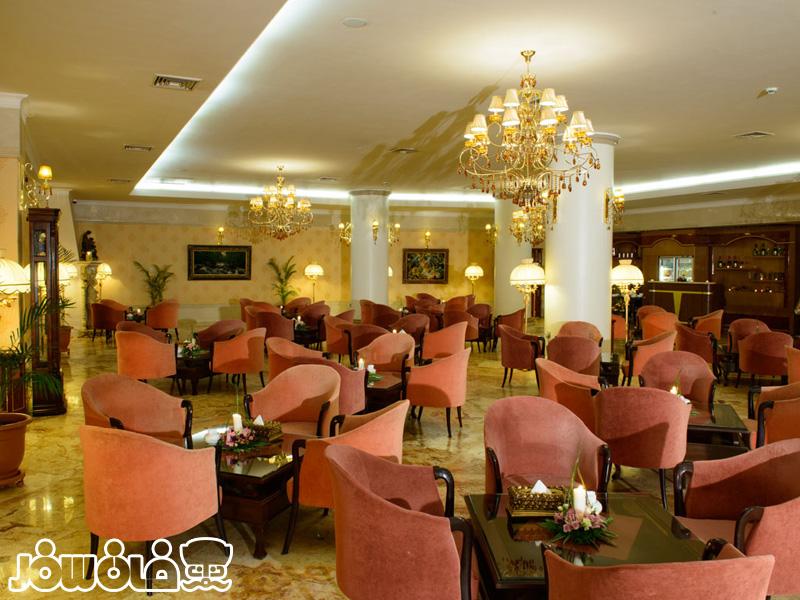 رستوران وی آی پی هتل قصر طلایی مشهد