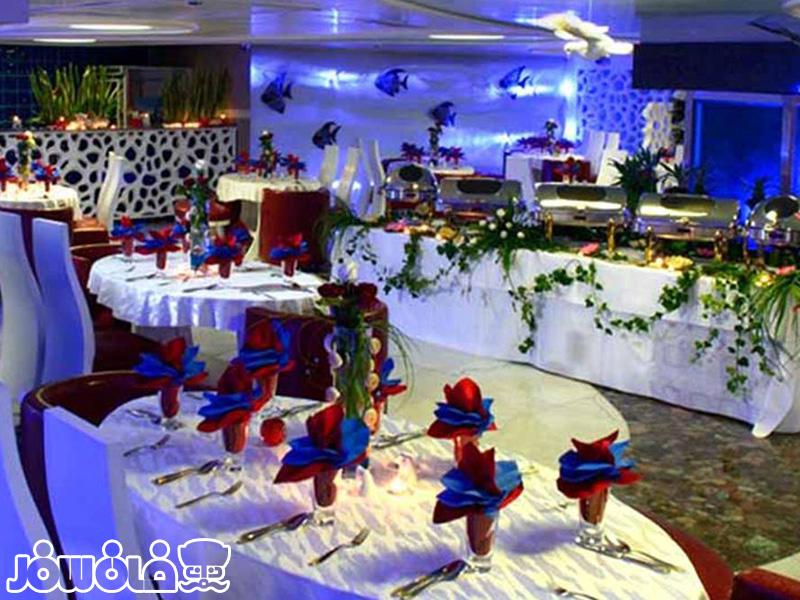 رستوران 5 قاره زوشا هتل قصر طلایی مشهد