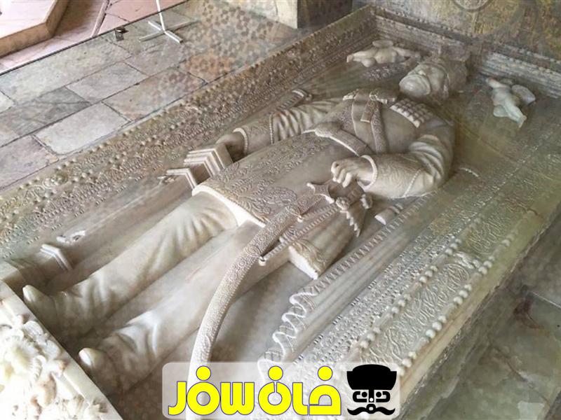 داستان سنگ قبر ناصرالدین شاه قاجار | خان سفر آژانس مسافرتی غزال پرواز اصفهان